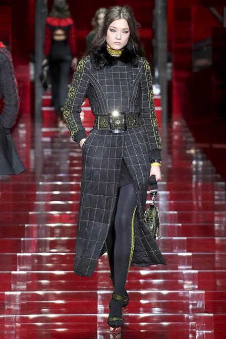 пуховики сезона осень-зима 2016-2017 от Versace 1