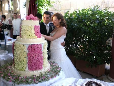 торт со съедобными розами из крема 3