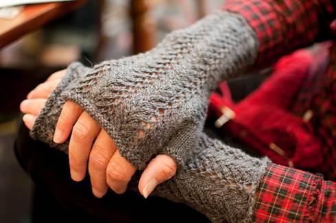 перчатки 6
