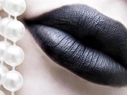 бордовые, синие и черные губы