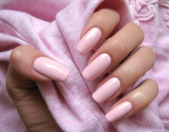 9_40-most-popular-light-pink-acrylic-nail-designs
