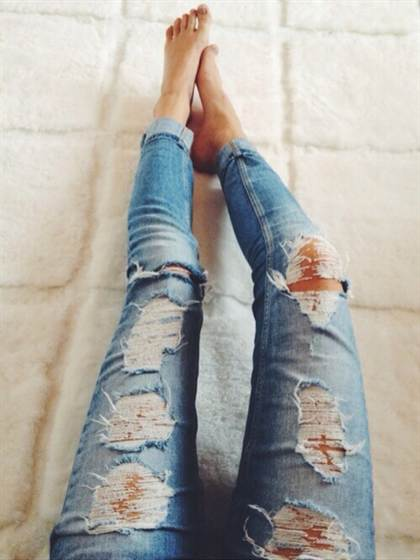destroyed-jeans-for-women-23