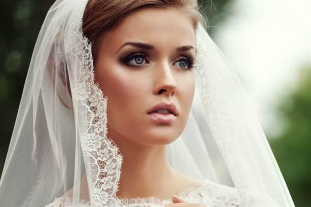 pricheska-na-svadbu-s-fatoj_1