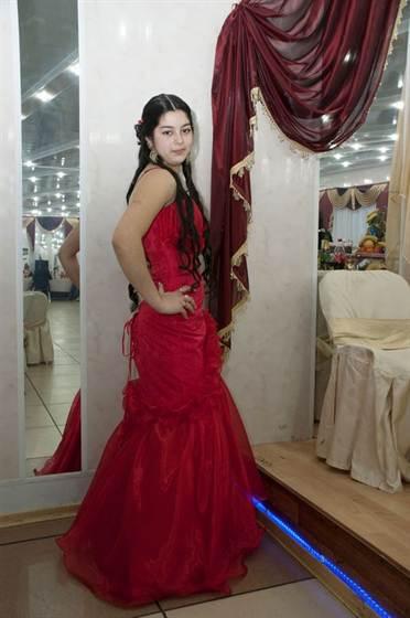 Первая брачная ночь по цыгански видео продолжения…