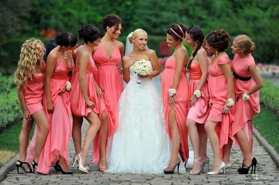 прическа на свадьбу подружке невесты