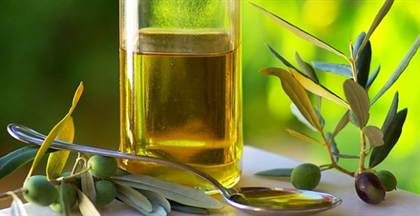 http://aranetta.ru/wp-content/uploads/2014/10/The-mask-of-olive-oil-for-face-3.jpg