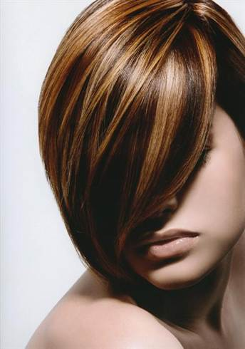 brown-hair-with-multicolored-blonde-highlights-w650