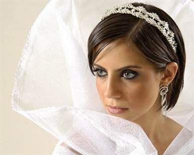 beautiful-bridal-short-hairstyles-5-550x440